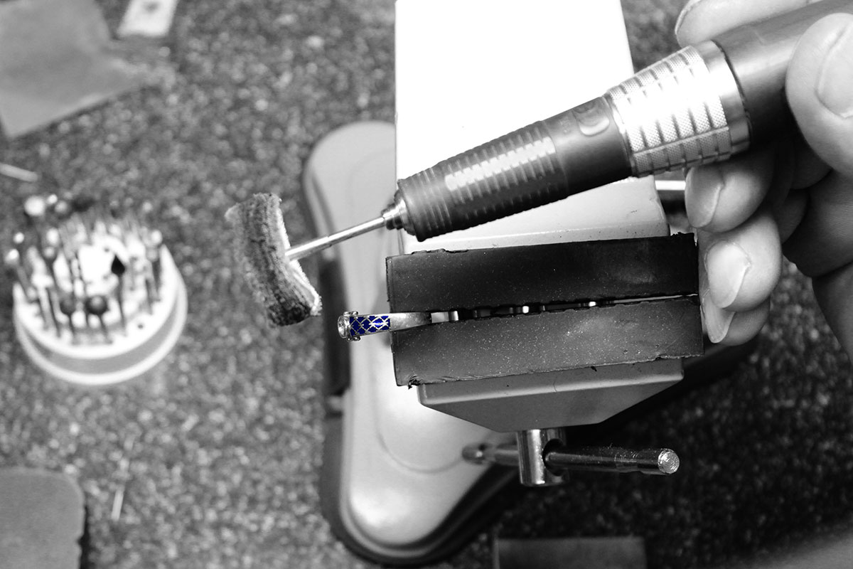 Clamping on the vise